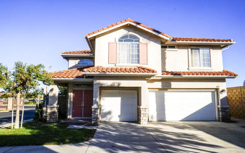 beautiful house located at 69 Sunset Cir, Westminster 92683